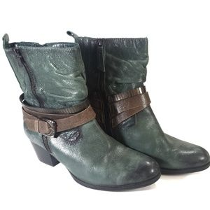 Earth leather boots